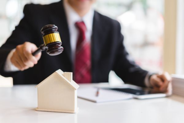 The Qualities You Need in Your Arizona Real Estate Attorney