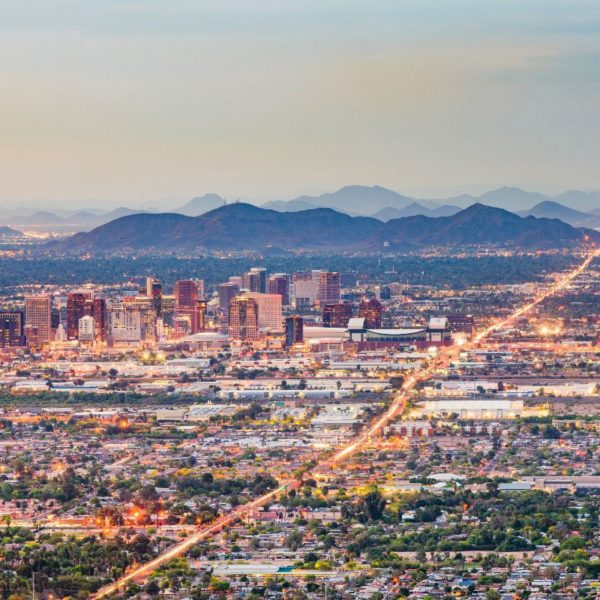 Why is Metro Phoenix Becoming a Top Market for Industrial Real Estate
