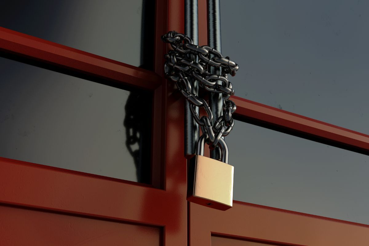 When Can a Commercial Lease Tenant be Locked Out?